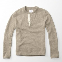 WOOL BLEND HENLEY SWEATER